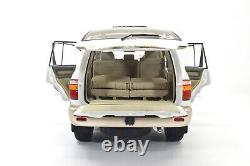 1/18 Toyota LandCruiser 2005 LC100 SUV Diecast Miniature Model Car White Vehicle