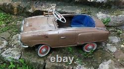 Incredibly rare RUSSIAN Moskvich 1960's A 17- 92 child's pedal car