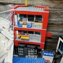 Large Lot Set of LEGO City Police Station 7498, Toys R Us Semi Truck Vehicles